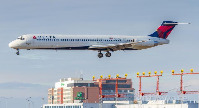 McDonnell Douglas MD-88 (N967DL)
