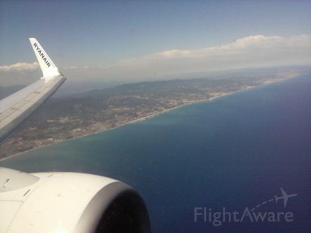 — — - Llegando al Aeropuerto de El Prat-Barcelona  (LEBL)