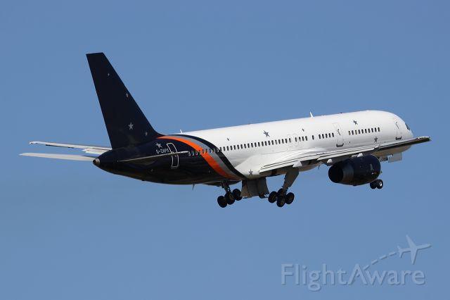 Boeing 757-200 (G-ZAPX)