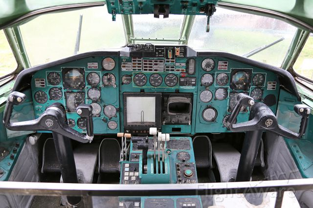 CCCP85020 — - The cockpit of Tu-154 (Registration CCCP-85020) at the State Aviation Museum of Ukraine in Zhulyany.