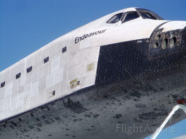 — — - Space Shuttle Orbiter Endeavour (OV105)