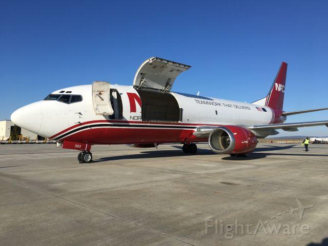 BOEING 737-300 (N360WA)