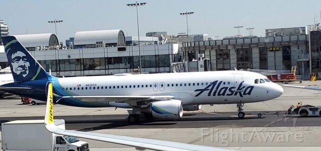 Airbus A320 (N626VA) - Former Virgin America A320 wearing Alaska colors