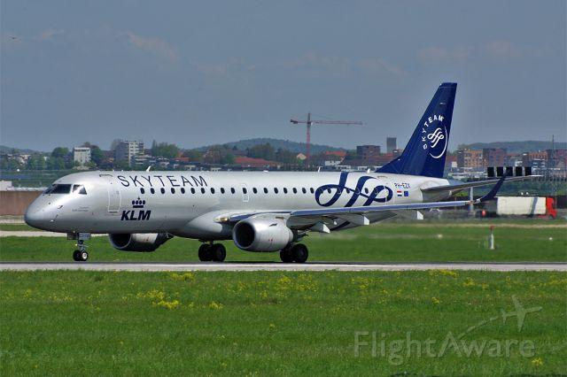 Embraer ERJ-190 (PH-EZX) - Embraer ERJ-190-100STD, KLM-Cityhopper, Stuttgart-Echterdingen