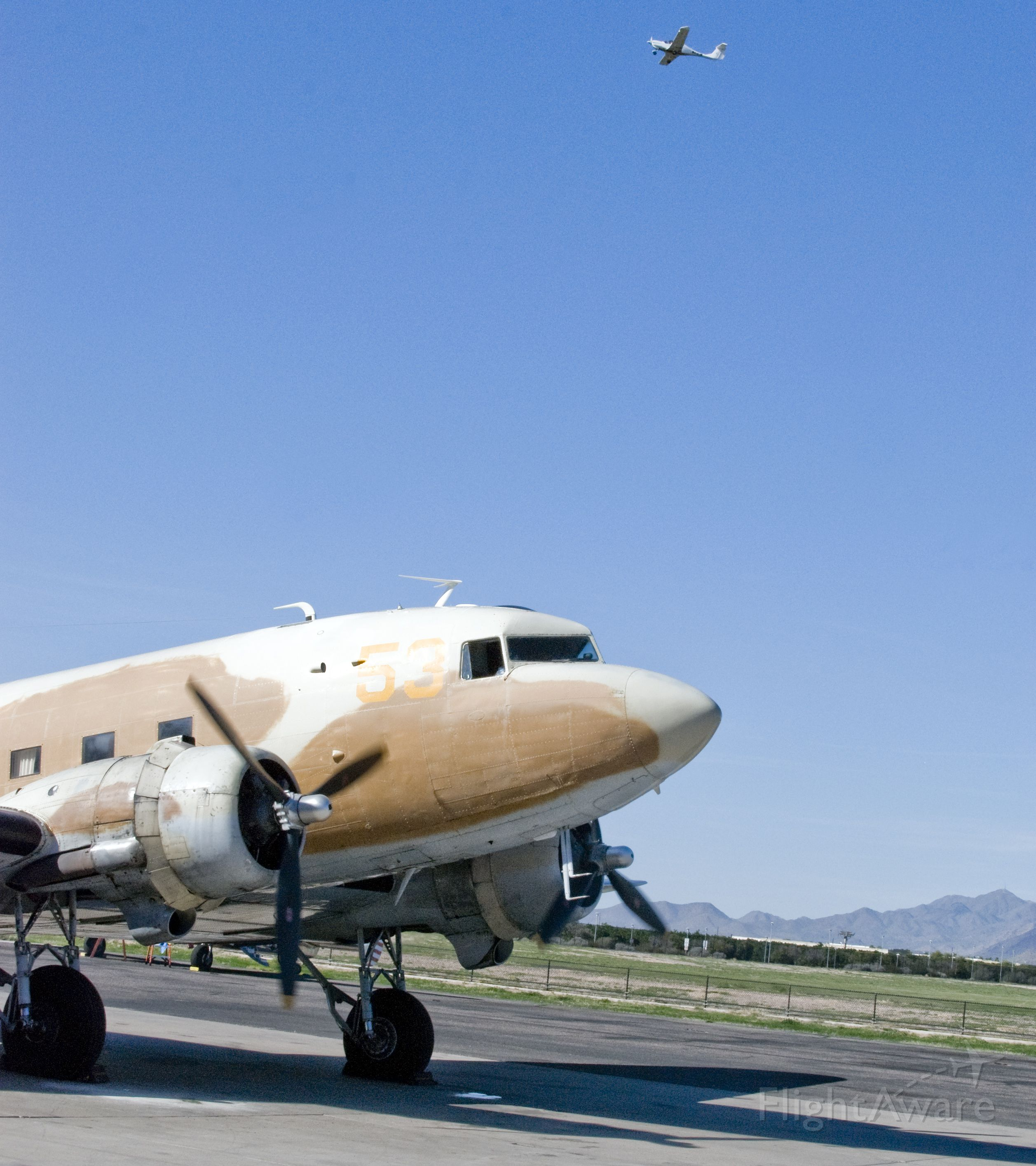 Douglas DC-3 (N53ST)