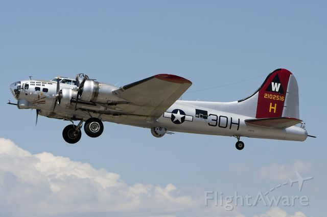 Boeing B-17 Flying Fortress (N5017N) - Aluminum Overcast visits Colorado