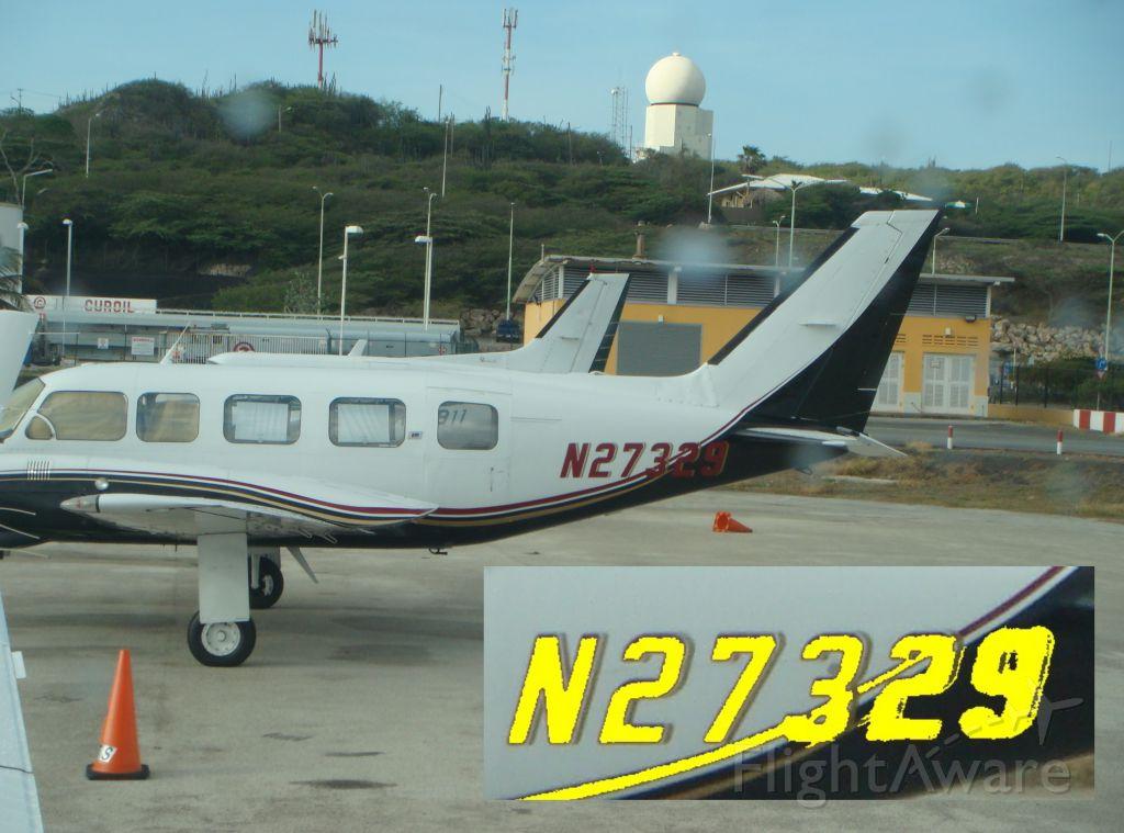 Piper Navajo (N27329) - Curacao