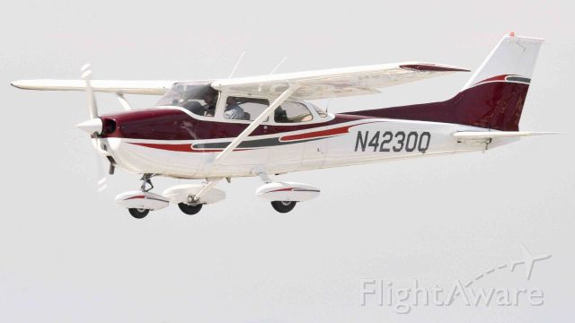 Cessna Skyhawk (N4230Q) - Brian undergoing flight training at the Merced Regional Airport