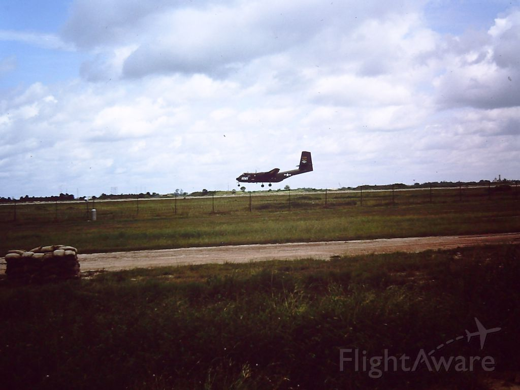 — — - US ARMY de Havilland CV-2B Caribou at TAN SON NHUT AIR BASE, SAIGON, VIETNAM 1966