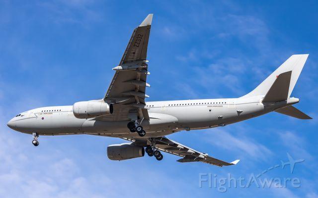 Airbus A330-200 (ZZ332)