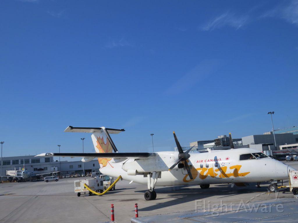 de Havilland Dash 8-100 (C-GJMI)