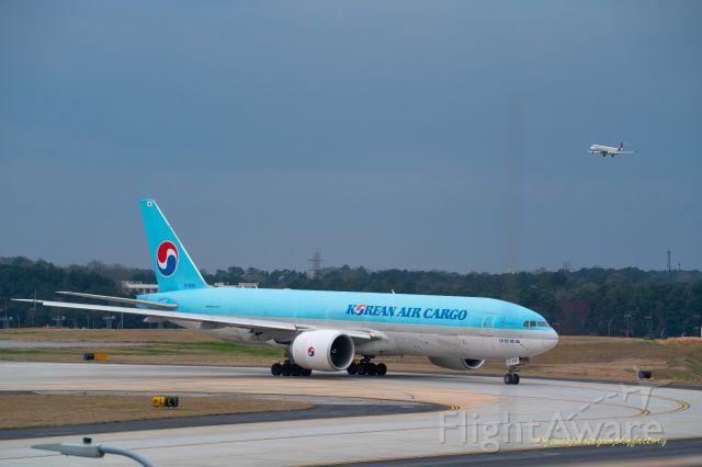 Boeing 777-200 (HL8226) - Korean Airline Cargo 777 lining up for departure from KATL.