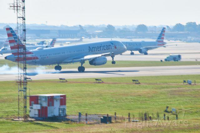 Airbus A321 (N546UW) - Landing on Rwy 18C