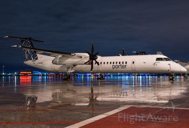 de Havilland Dash 8-400 (C-GLQZ)