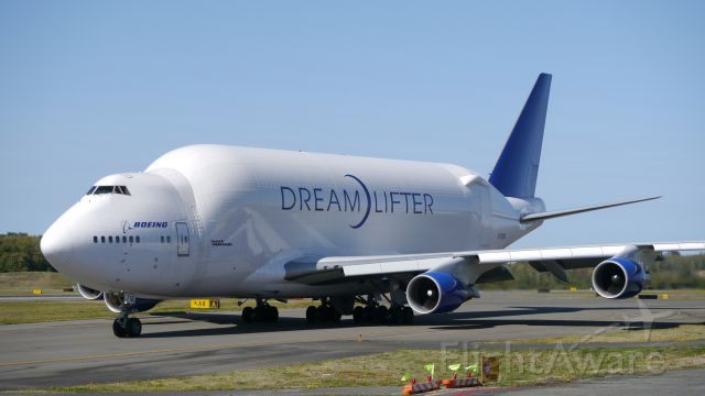 Boeing Dreamlifter (N718BA) - GTI4512 taxis to Rwy 34L for a flight to RJGG/NGO on 9/27/16. (ln 932 / cn 27042).