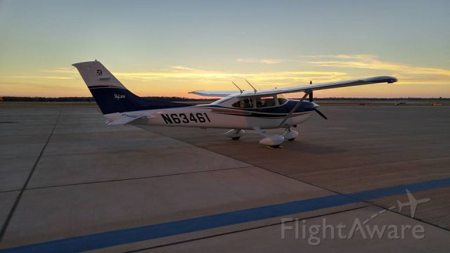 Cessna Skylane (N63461) - Standing outside of Astin Aviation in CLL after a great burger run. Ready for a nice night flight back to CXO.