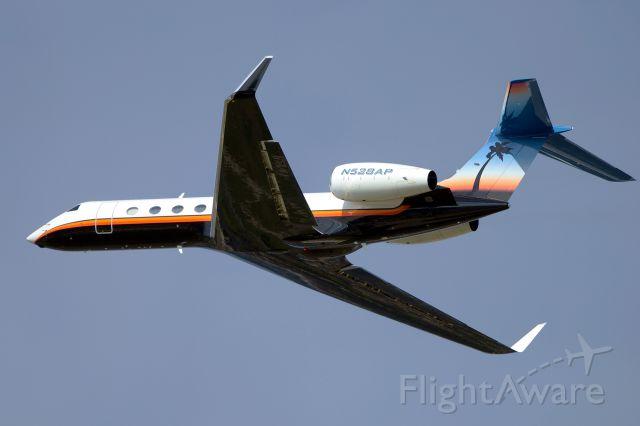 Gulfstream Aerospace Gulfstream V (N528AP) - 30L departure.