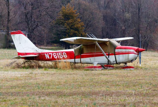 Cessna Skyhawk (N7615G)
