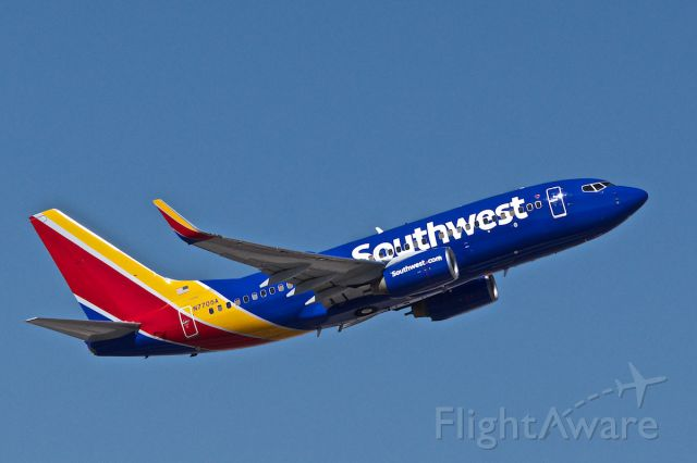 Boeing 737-700 (N7705A)