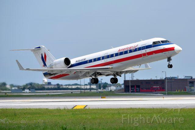 Canadair Regional Jet CRJ-200 (N465SW) - 28-R departure.