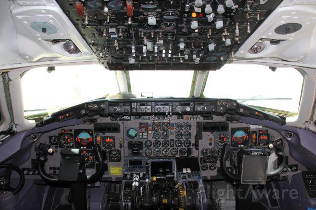 McDonnell Douglas MD-82 (PJ-MDA)