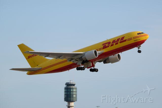 BOEING 767-200 (N652GT)