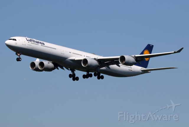 Airbus A340-600 (D-AIHO)