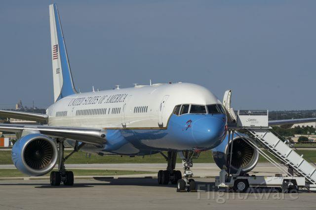 N80002 — - USAF 80002 C-32A on 5/2/2017