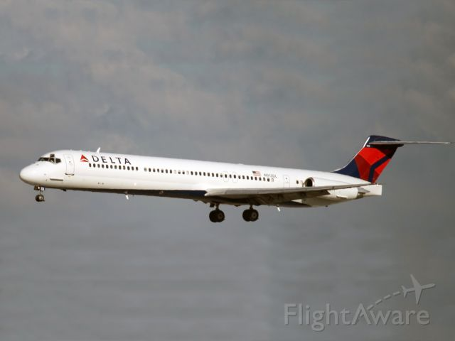 McDonnell Douglas MD-88 (N913DL) - An MD 88 of Delta Airlines.