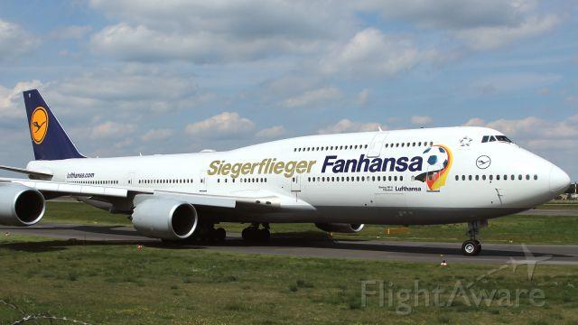 BOEING 747-8 (D-ABYI) - Fanhansa Siegerfliegerbr /German National Football Team on board.