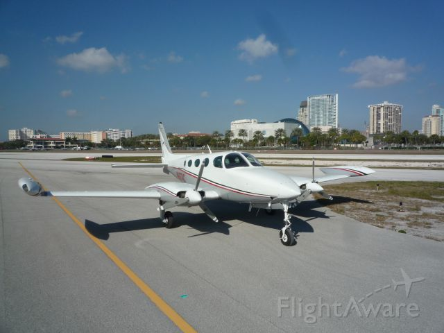 Cessna 335 (N6674C)