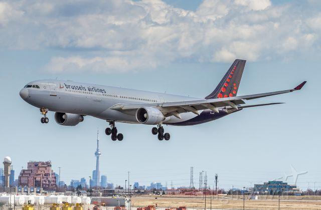 Airbus A330-300 (OO-SFW)