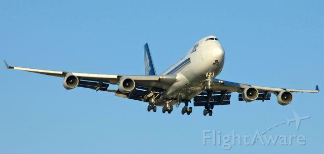 Boeing 747-400 (9V-SFP) - Adelaide...on short final for runway 23, November 11, 2007.