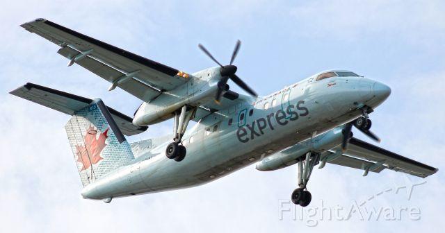 de Havilland Dash 8-100 (C-GKON)