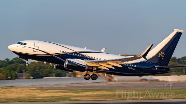 Boeing 737-700 (N839BA) - Boeing BBJ demonstrator departing 13R<br />9/7/19
