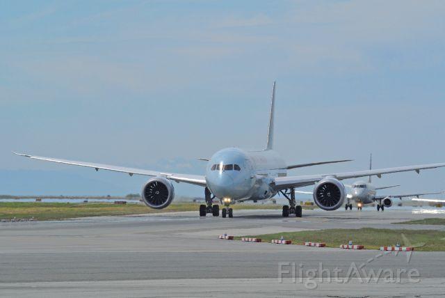 Boeing 787-9 Dreamliner (C-FRSO)