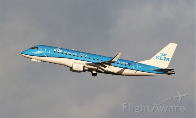 EMBRAER 175 (long wing) (PH-EXH) - klm cityhopper e175std ph-exh training at shannon 12/1/20.