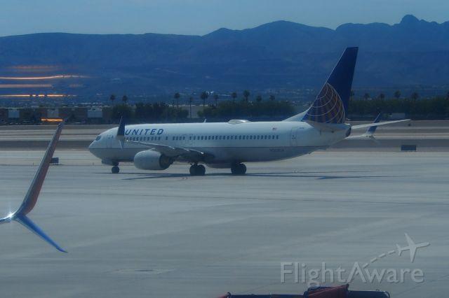 Boeing 737-800 (N35204)