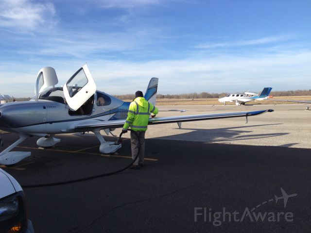 Cirrus SR-22 (N890MG) - My new plane with Cirrus jet taxing behind
