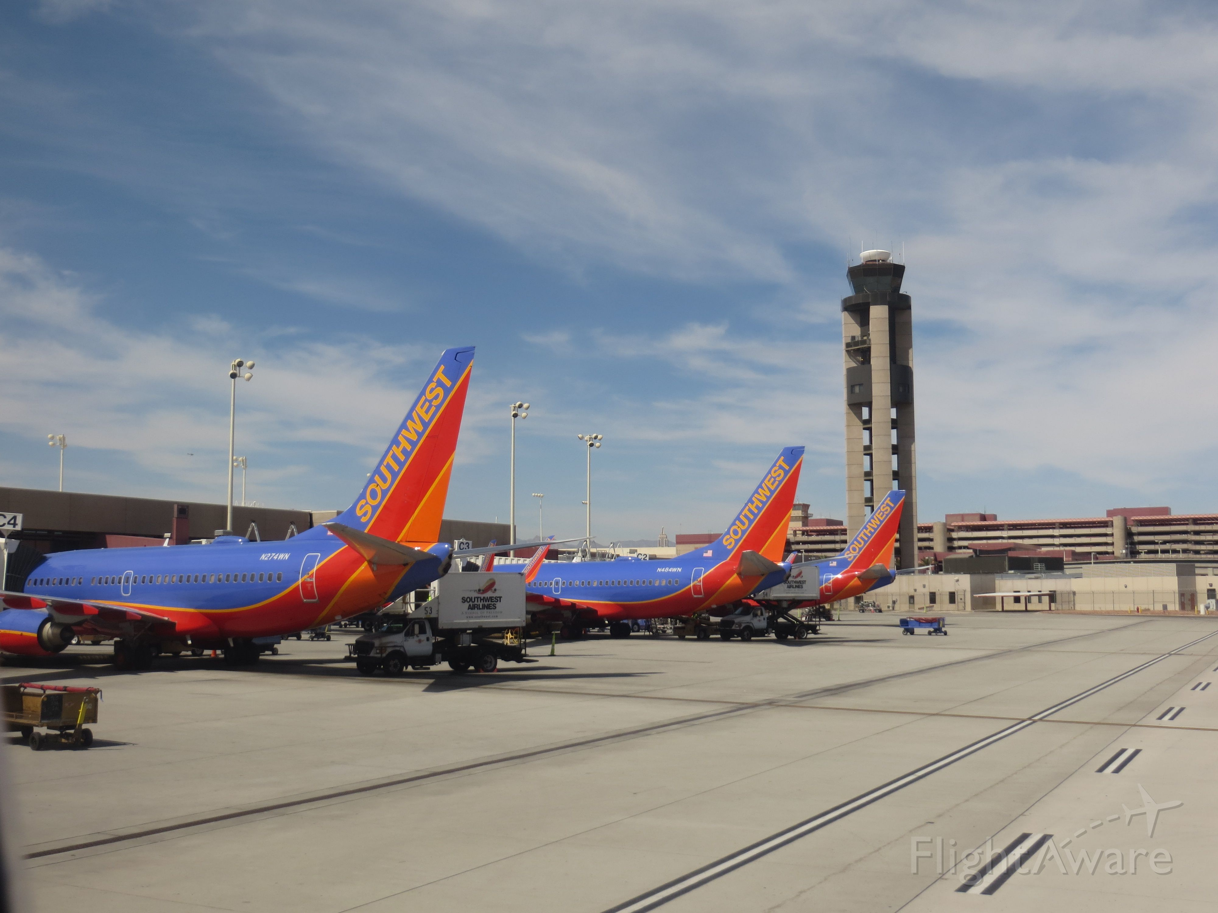 Boeing 737-700 (N274WN) - N274WN and N484WN