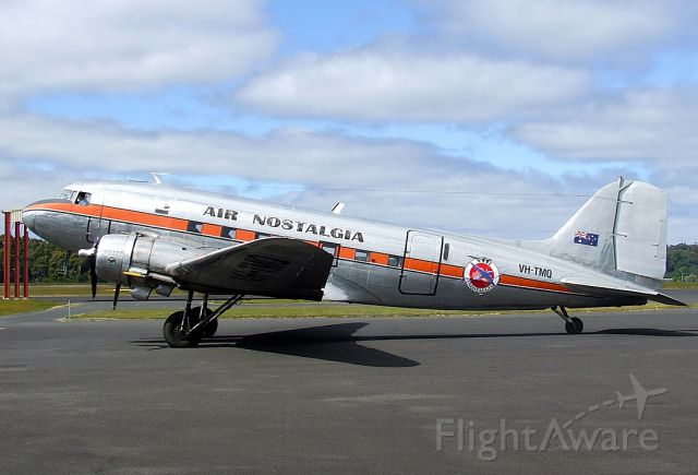 Douglas DC-3 (VH-TMQ)