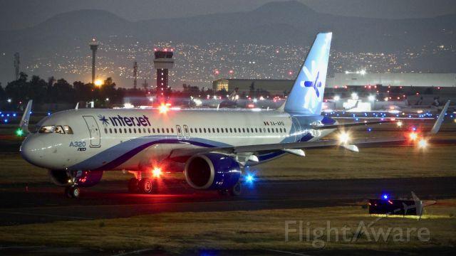Airbus A320 (XA-APO)