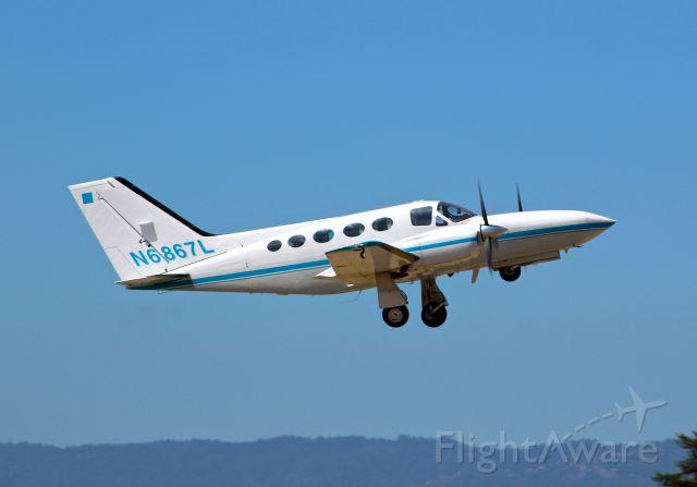Cessna 421 (N6867L) - Local C421 departing IFR to Fresno. a rel=nofollow href=http://flightaware.com/live/flight/N6867Lhttps://flightaware.com/live/flight/N6867L/a