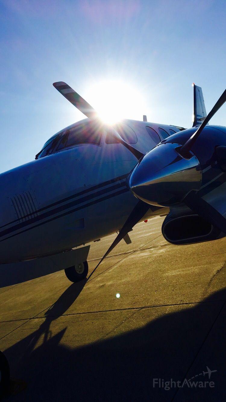 Beechcraft King Air 90 (N78QR)