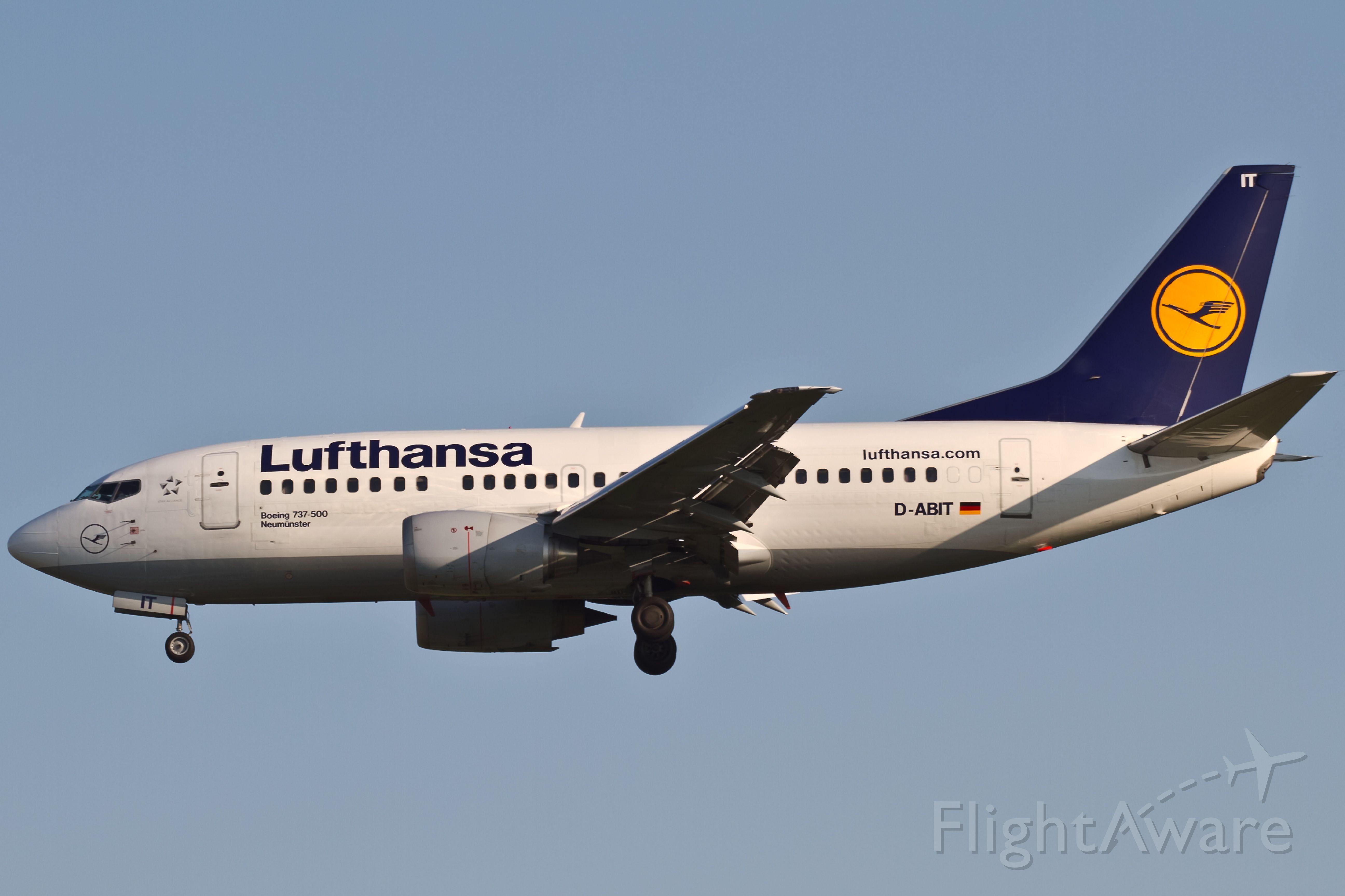 BOEING 757-300 (D-ABIT)