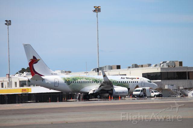 Boeing 737-700 (P2-PXD) - air niugini