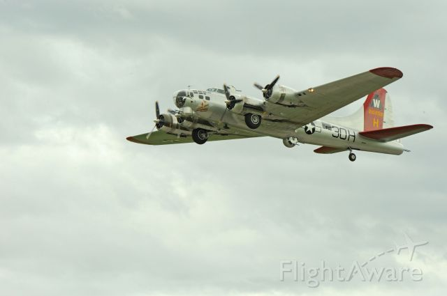 Boeing B-17 Flying Fortress (21-0256) - Departing Logan, Utah on June 4, 2010