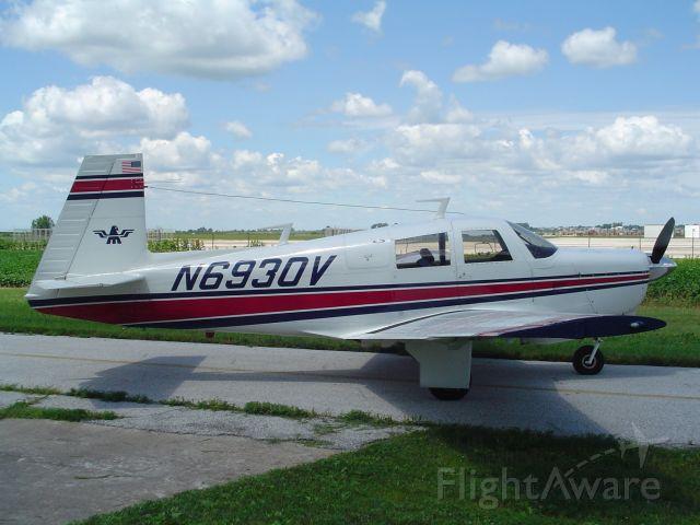Mooney M-20 (N6930V)