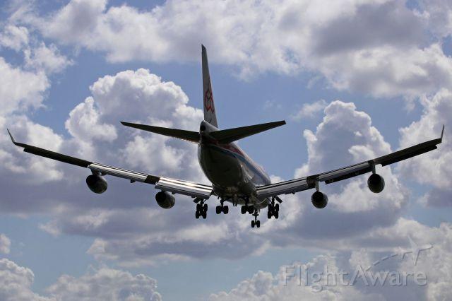 Boeing 747-400 (LX-OCV)