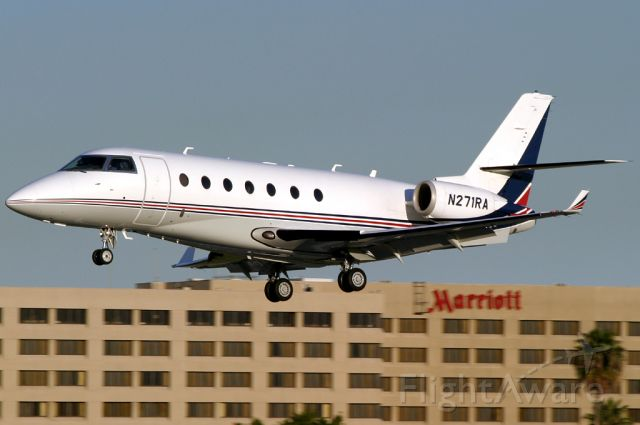 IAI Gulfstream G200 (N271RA) - This lovely G-200 Galaxy (cn 104) is caught on short final to Rwy 30.